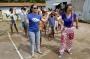 Alegria na entrega de brinquedos na Escola Viana de Carvalho