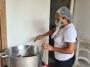 Doação da CDL Cuiabá leva solidariedade e comida a moradores de rua